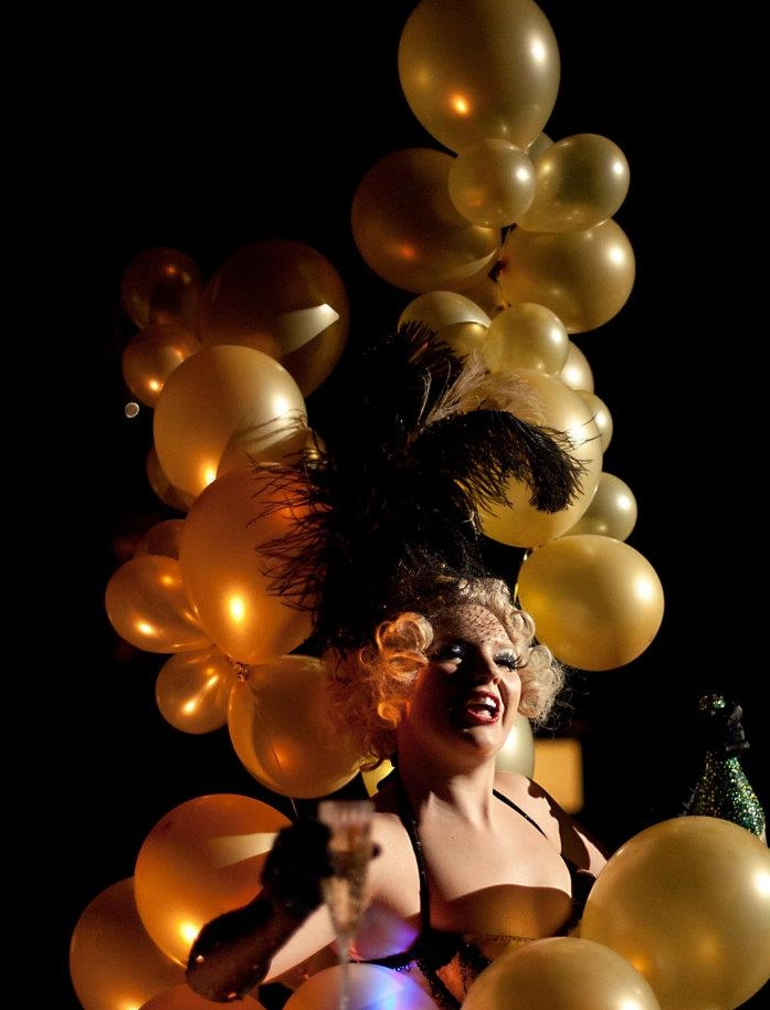 Balloon Champagne Showgirl