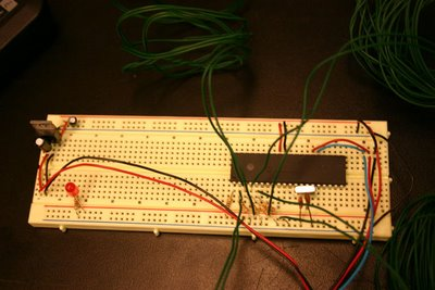 Arduino: Green wires are attached to the flex sensors