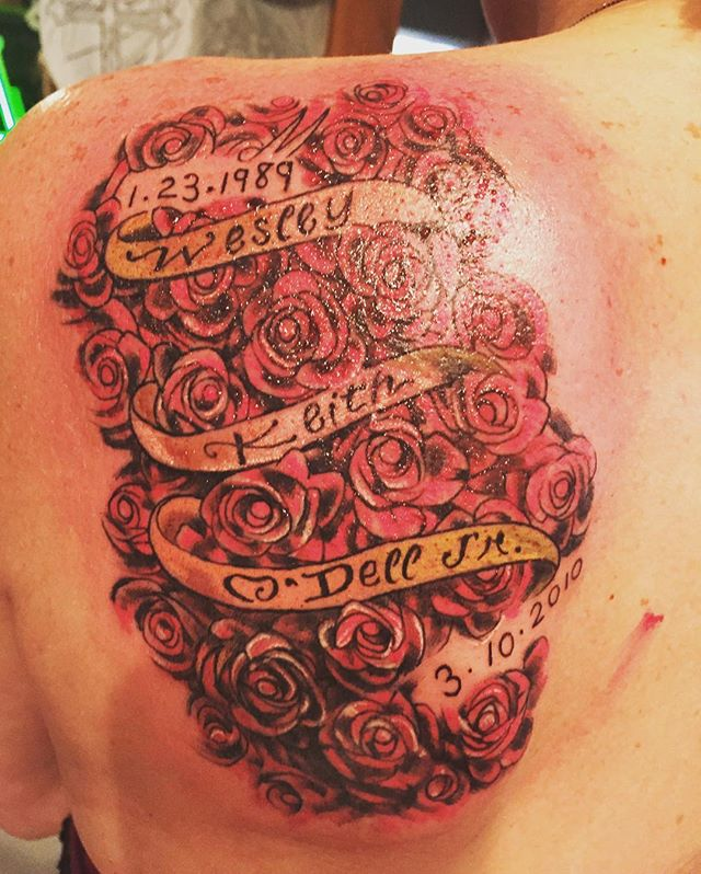 So many roses ! #roses #tattoo #keepsaketattoo #art #tattooartist
