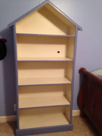 Kids Bookshelf $20