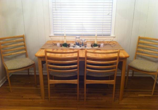 Dining Table and Chairs $75