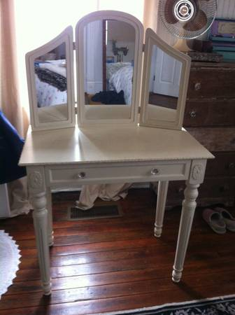 Shabby Chic Vanity $100