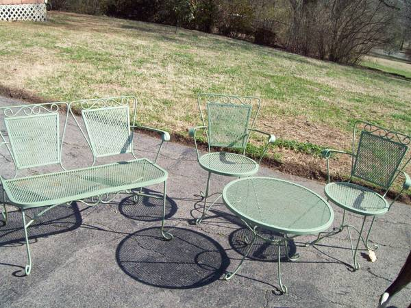 Patio Set $210
