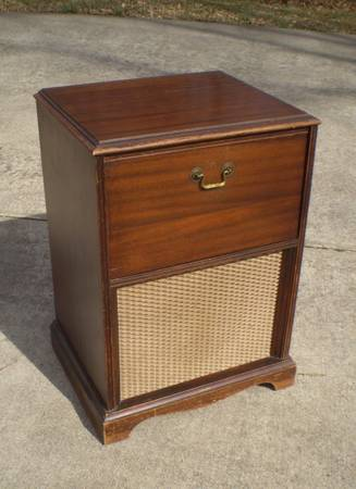 Nightstand/Radio Console $35 - This piece I think has a lot lot potential, click on the ad because there are more pictures, one even showing how this could be a little desk.