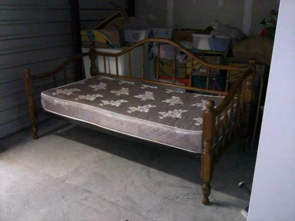 Daybed with Mattress $100  - Would be cute painted!