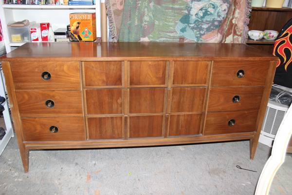 Mid Century Modern Dresser, Nightstand and Mirror $250
