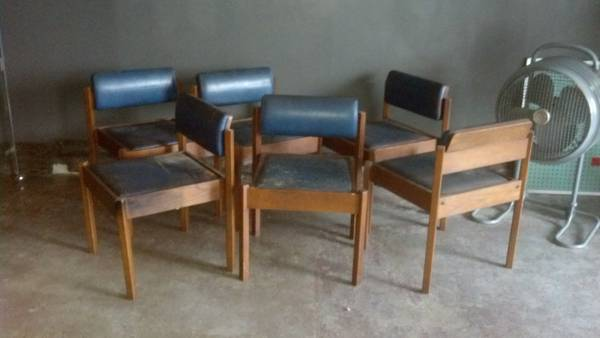 Mid Century Modern Dining Chairs Set of 6 $100 - These look like they might need a little work but could be a cool set.