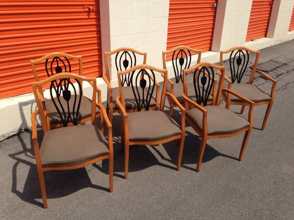 Dining Chairs Set of 7 $150 - This is a great price for all 7 chairs. I don't love the 2 tone, but I think these would look really pretty all painted the same color, maybe white. I can't tell what the quality of the seat cushion but it looks good and is a nice neutral color.