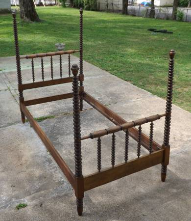 Antique Twin Spindle Bed $400  - This is a gorgeous antique bed. They are selling with the mattress.
