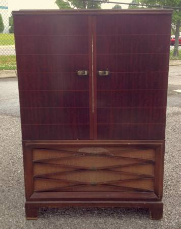 Mid Century RCA TV Cabinet $55  - This needs a bit of tlc but I think it has potential.