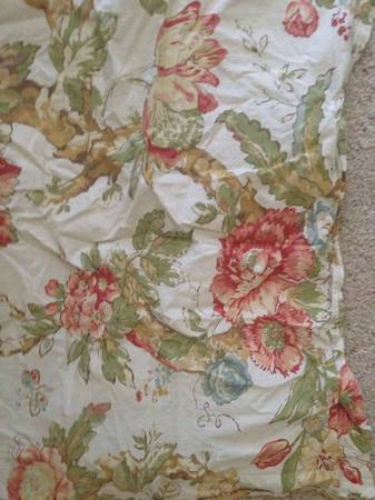 Pottery Barn King Duvet Cover $15
