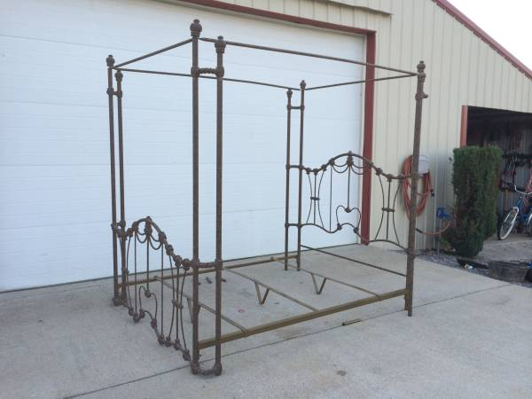 Queen Iron Bed $250