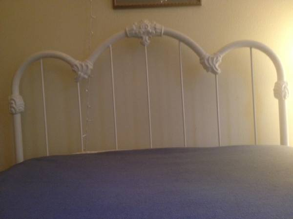 White Floral Headboard $30 - This is for a double bed, would be adorable for a little girl's room.