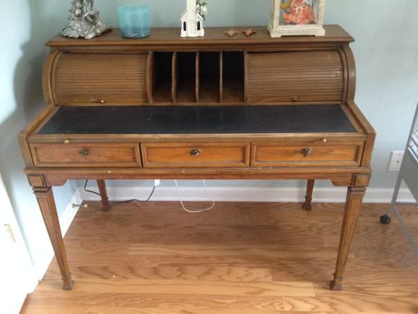 Desk $100