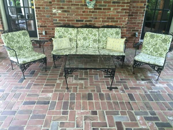Outdoor Patio Set      $150     View on Craigslist