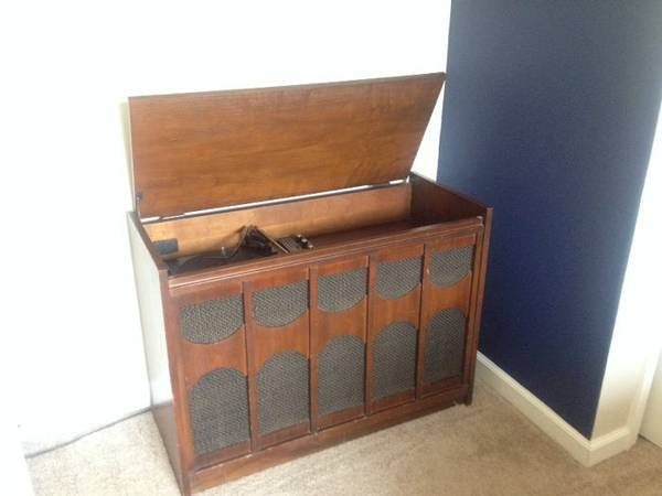 Vintage Radio Console     $20   These old radio cabinets can be really versatile, this would look great painted and could be used as an entry table or a small buffet/bar.     View on Craigslist