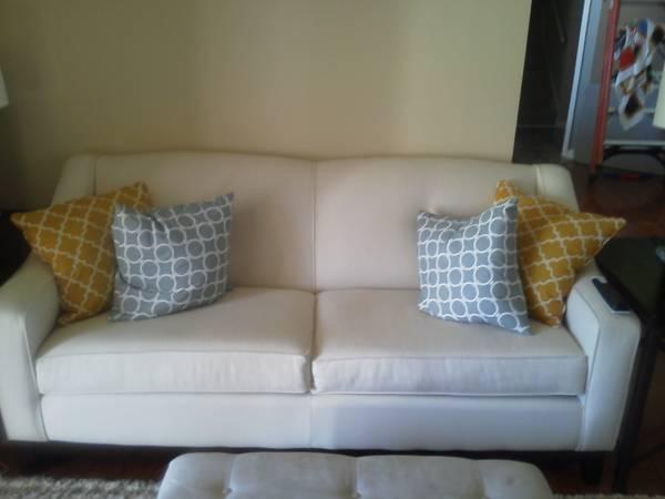 Linen Sofa     $375     View on Craigslist