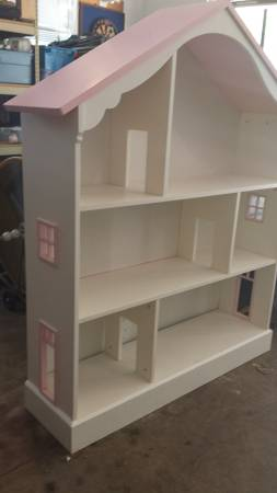Dollhouse Bookcase     $50     View on Craigslist