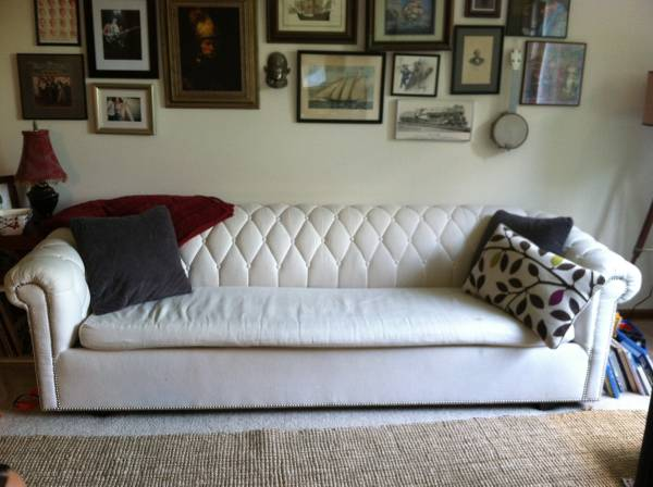 Tufted Chesterfield Style Sleeper Sofa     $650     View on Craigslist