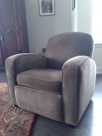 Mitchell Gold by Storehouse Recliner $150 View on Craigslist