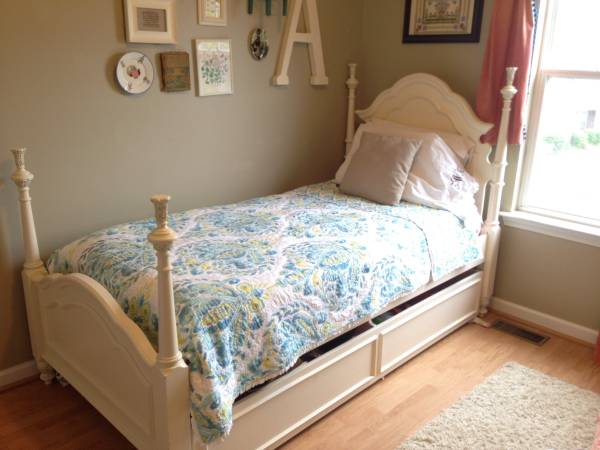 Twin Bed with Trundle $400 View on Craigslist