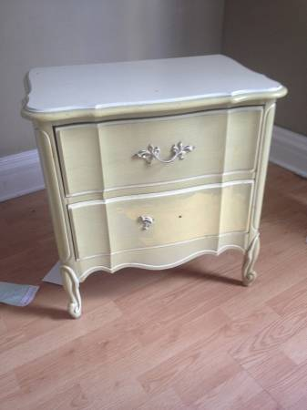 Vintage Nightstand     $30     View on Craigslist