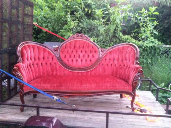 Victorian Sofa     $200     View on Craigslist