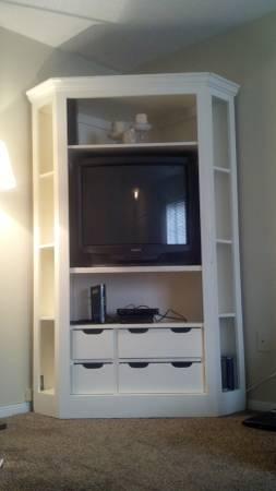 Corner Cabinet/Entertainment Center $100 View on Craigslist