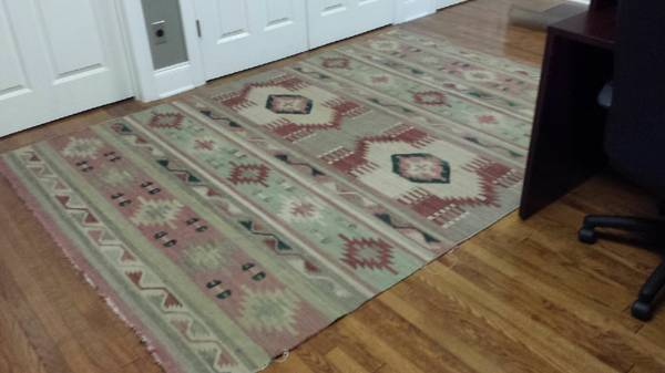 6' x 9' Dhurrie Rug     $125     View on Craigslist