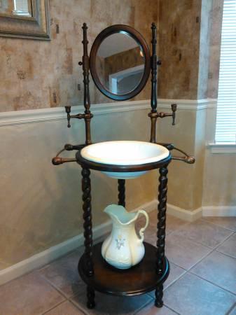 Antique Washstand     $75     View on Craigslist