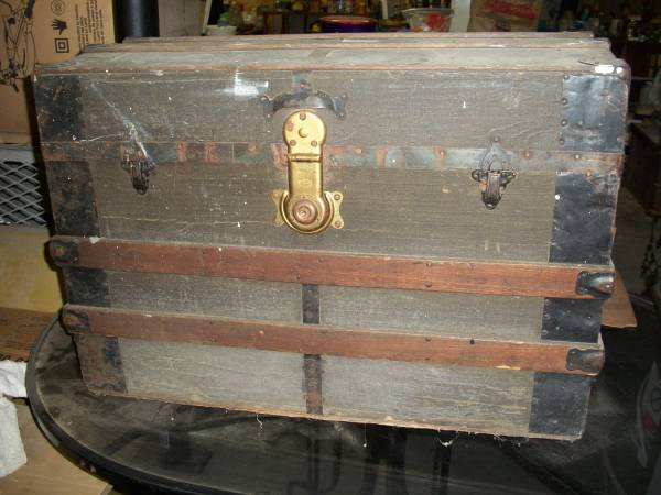 Antique Steamer Trunk $100 View on Craigslist