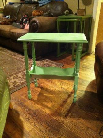 Green Side Table     $25     View on Craigslist