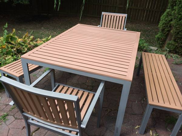 Patio Furniture     $150     View on Craigslist