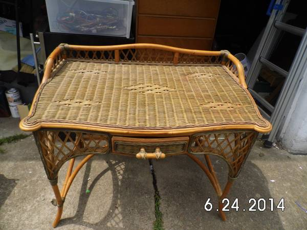 Wicker Desk     $25     View on Craigslist