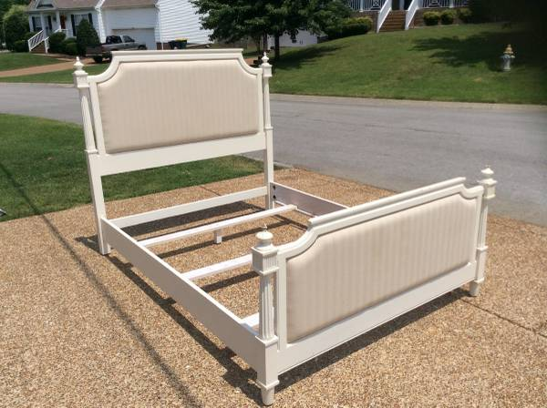 Queen Bed     $200     View on Craigslist