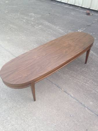 Mid Century Modern Coffee Table     $60     View on Craigslist