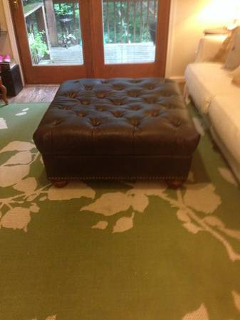 Tufted Ottoman $50 View on Craigslist