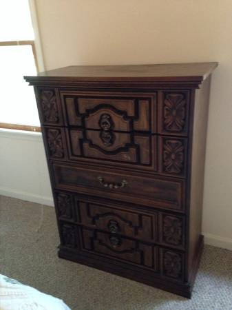Vintage Bedroom Set     $150   This is a really good deal. Set includes a chest, dresser with mirrors, nightstand and queen bed. This would look great painted.    View on Craigslist