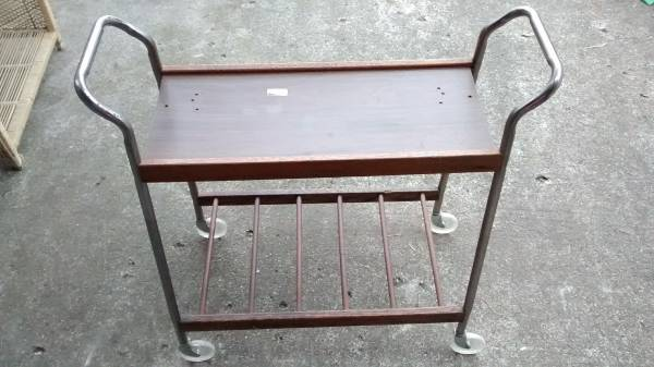 Small Rolling Cart     $20     View on Craigslist