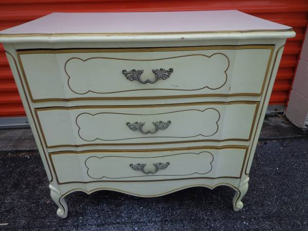 French Provincial Nightstand     $50    This would be so pretty painted!     View on Craigslist