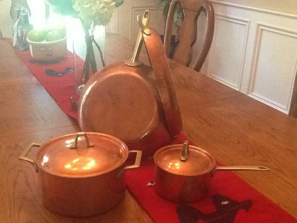 Paul Revere Copper Pot Set     $125   This is a really good deal for this set. Copper pots are not only great to cook with but are beautiful displayed in a kitchen.    See on Pinterest      View on Craigslist
