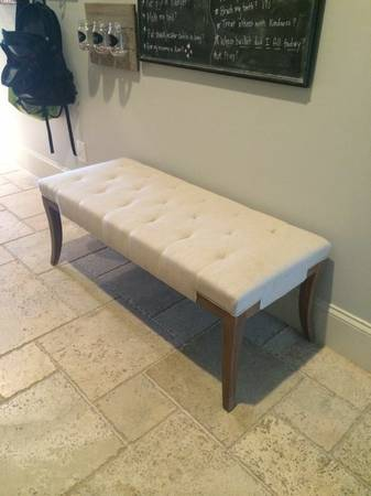 Upholstered Bench     $99     View on Craigslist
