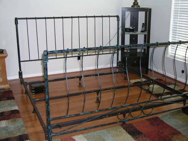King Bed     $75   This bed would be pretty painted.    View on Craigslist