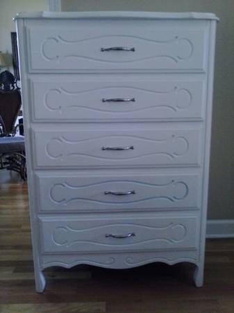 Small Dresser     $50     View on Craigslist