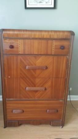 Antique Dresser $100 View on Craigslist