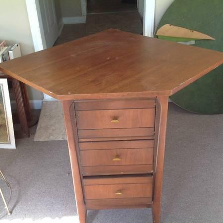 Corner Table $35 View on Craigslist