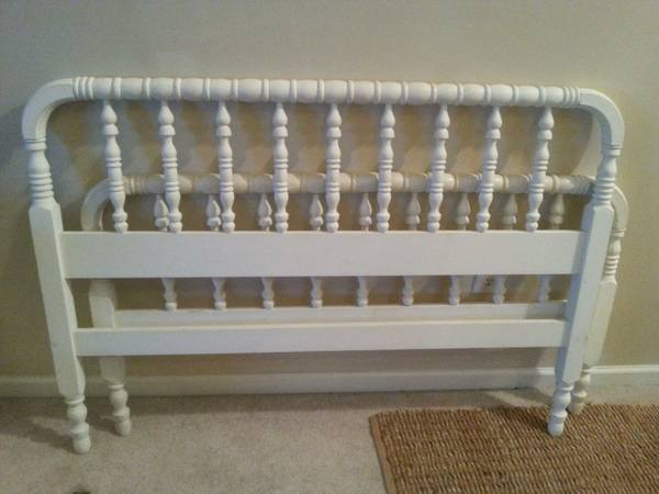 Full Size Bed     $145     View on Craigslist