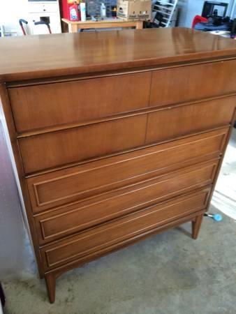 Mid Century Modern Dresser $75 View on Craigslist