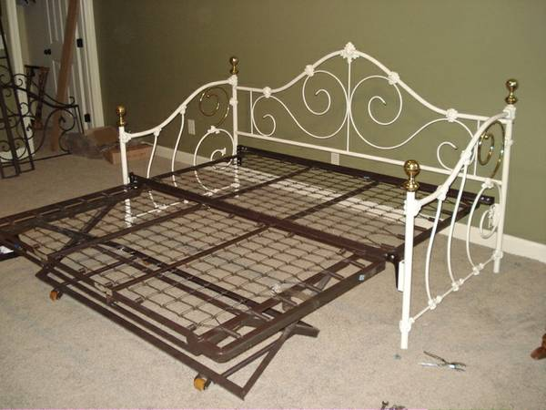 Daybed with Trundle     $185     View on Craigslist