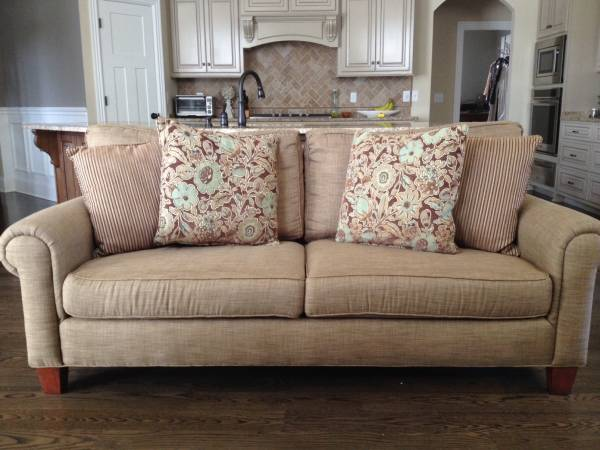 Broyhill Sofa $300 View on Craigslist